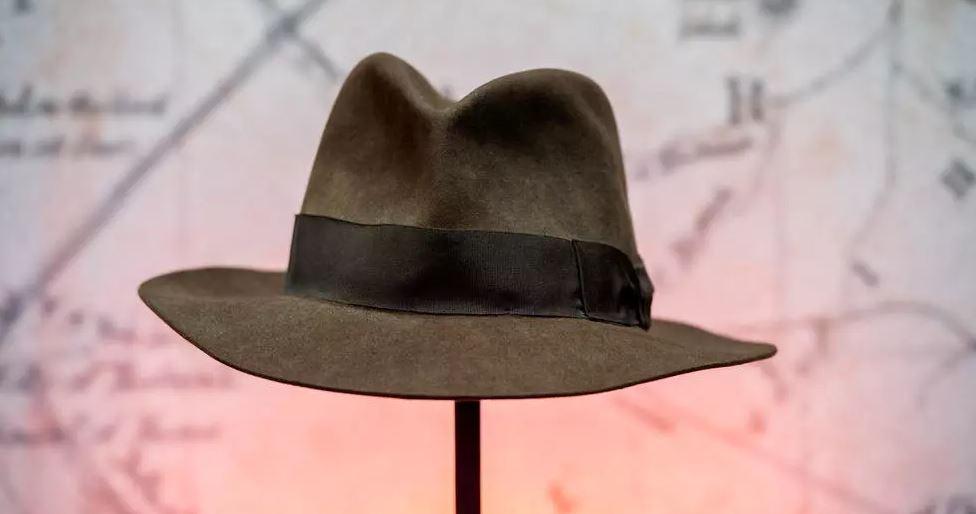 Lajmi i shumëpritur për fansat: Del në ankand kapelja e Indiana Jones dhe shkopi i Harry Potter