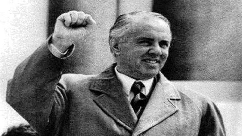 Letra e Enver Hoxhës për mashtrimin e madh në '52-in: Dy elementë armiq, të maskuar