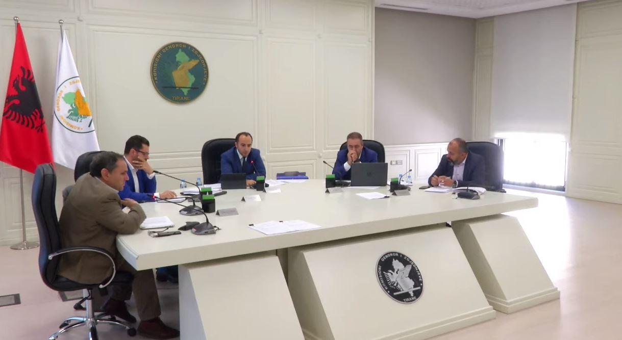 Ankimet për rezultatin e Beratit, Vlorës dhe Gjirokastrës, debate në KAS