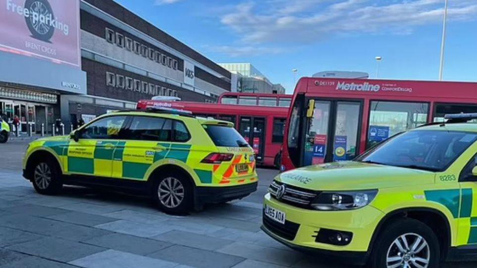 Alarm në Londër, sulm me thikë në një qendër tregtare