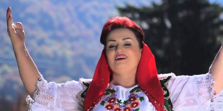 Fatmira Breçani bëhet gjyshe për herë të parë, zbulon emrin e rrallë të nipit