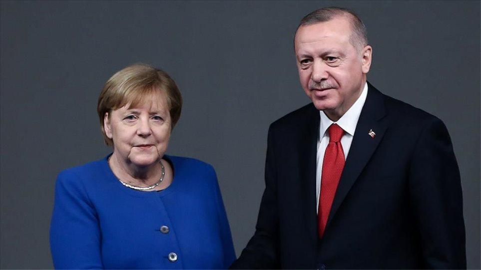 Erdogan i ankohet Merkelit për Greqinë: Bëjnë veprime provokuese
