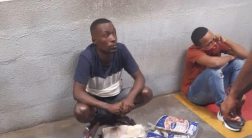 Vodhën mish në një supermarket, vriten brutalisht dy të rinj brazilianë