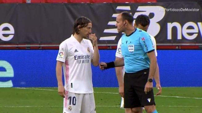 """""""Të shohim nëse mund të na japësh penallti"""", Modric """"xixa"""" me Lahoz ndaj Bilbaos"""