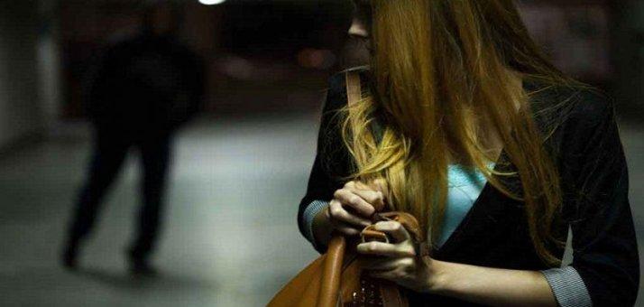 Përndiqte një të mitur, arrestohet 21-vjeçari në Vlorë