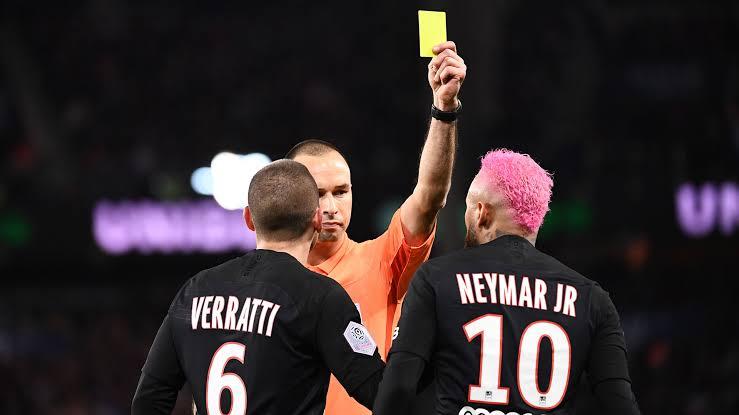 """VIDEO/ """"Faleminderit që më nxore nga finalja"""", Neymar """"xixa"""" me arbitrin pas ndeshjes"""