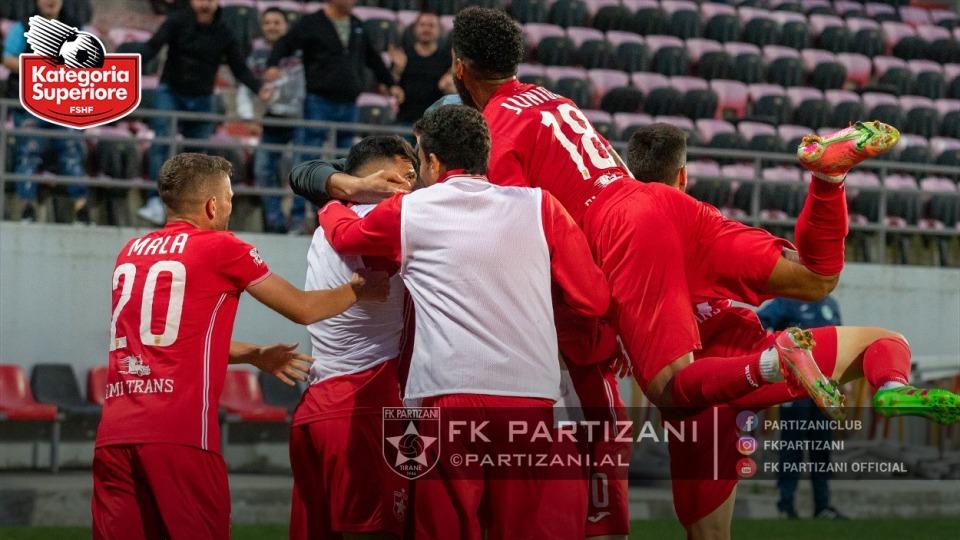 """""""Tërmet"""" te Partizani para derbit, futbollistët protestojnë për pagat"""