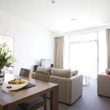 Apartamentet në bregdet jo vetëm për të banuar, por edhe për të investuar