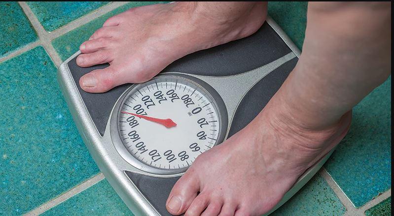 Rregulli një dhe themelor që duhet të ndiqni kur peshoheni