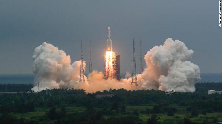 U pa përtej Adriatikut, të gjithë me sytë nga qielli, shikoni ku ndodhet tani raketa kineze-LIVE