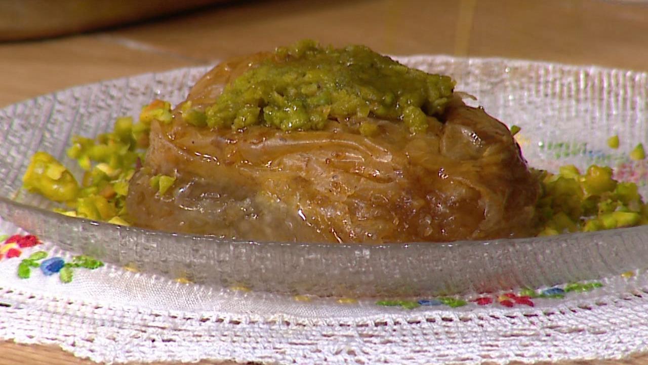 Bakllava me peta të gatshme – Receta nga Florenca Reçi