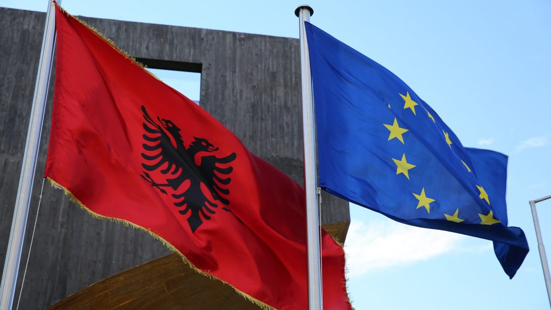 KE për Shqipërinë: Në mars u lëvruan 90 milion € e para të ndihmës makro-financiare të BE