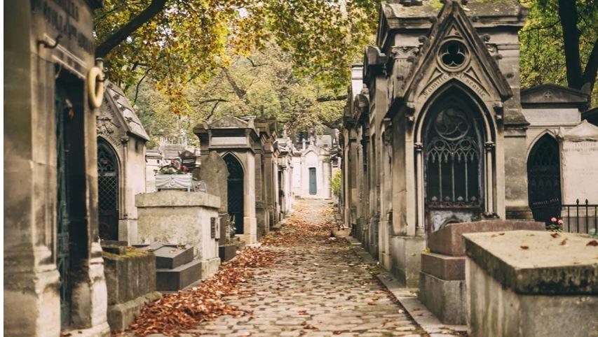 Varrezat në Paris që funksionojnë me një listë pritjeje
