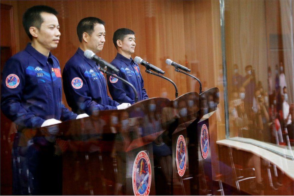 Misioni i ri, Kina nis tre astronautë në hapësirë