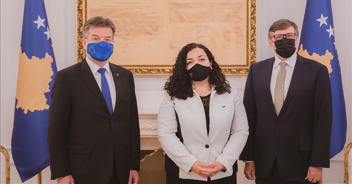 Palmer dhe Lajçak në Kosovë, analistët: Biden solli koordinim mes SHBA dhe BE për dialogun