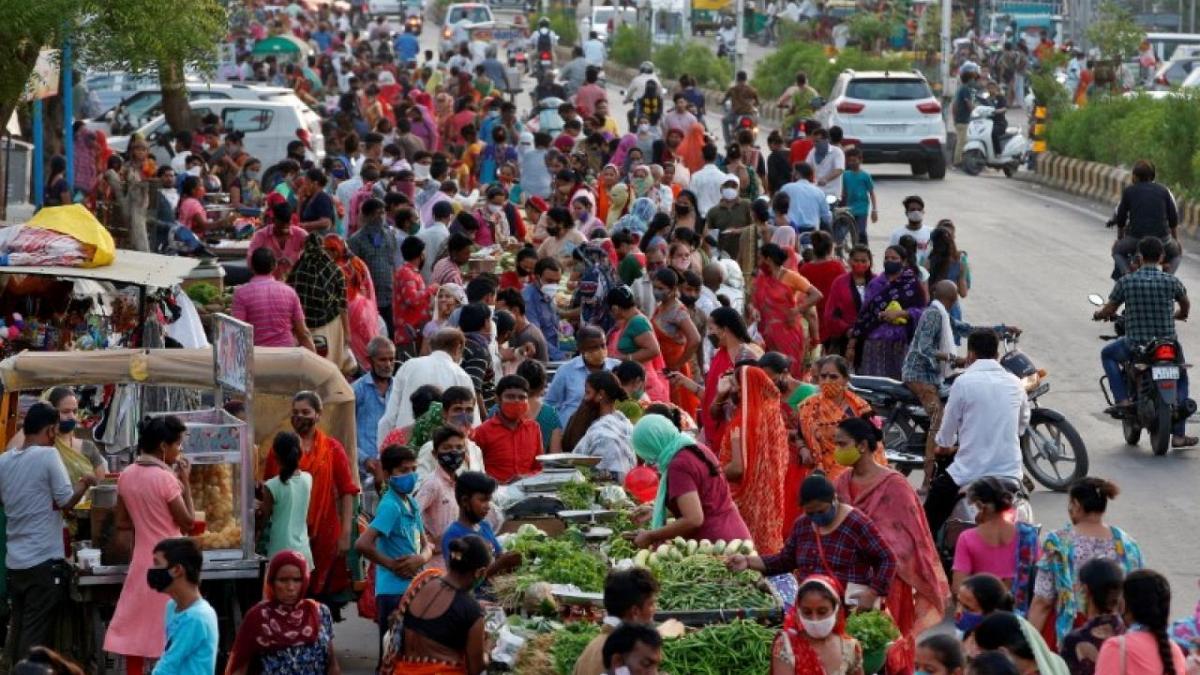 Ekspertët: India duhet të përgatitet për valën e tretë të pandemisë në tetor