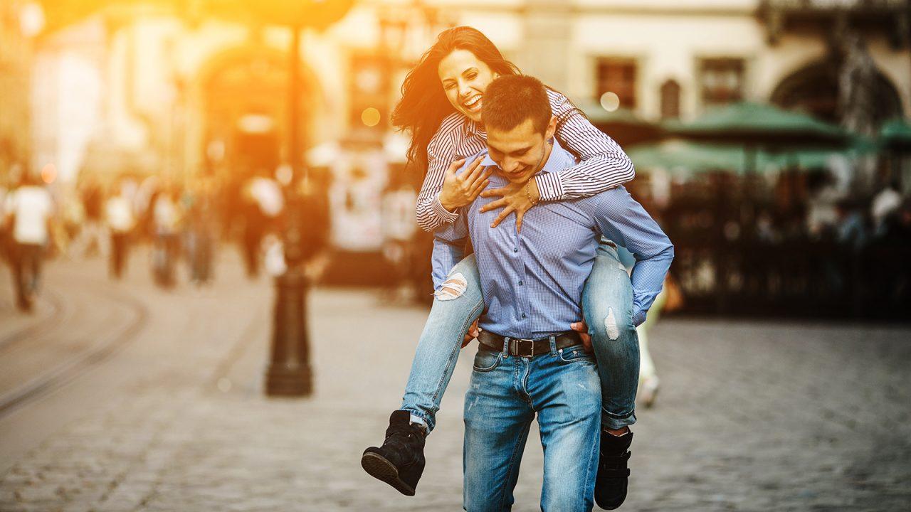 Fytyra ose trupi: Çfarë kërkojmë kur zgjedhim një partner