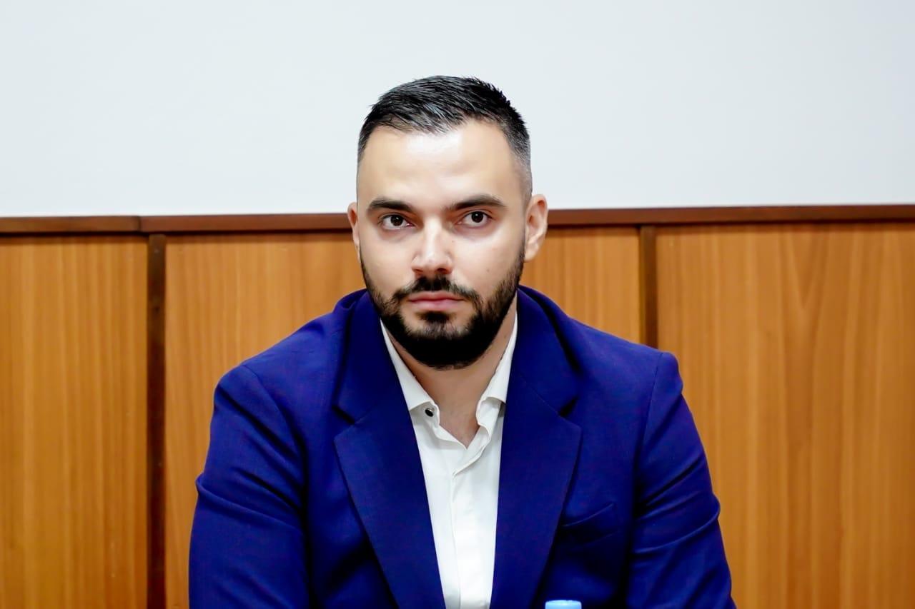 Prefekti i ri i Elbasanit merr detyrën