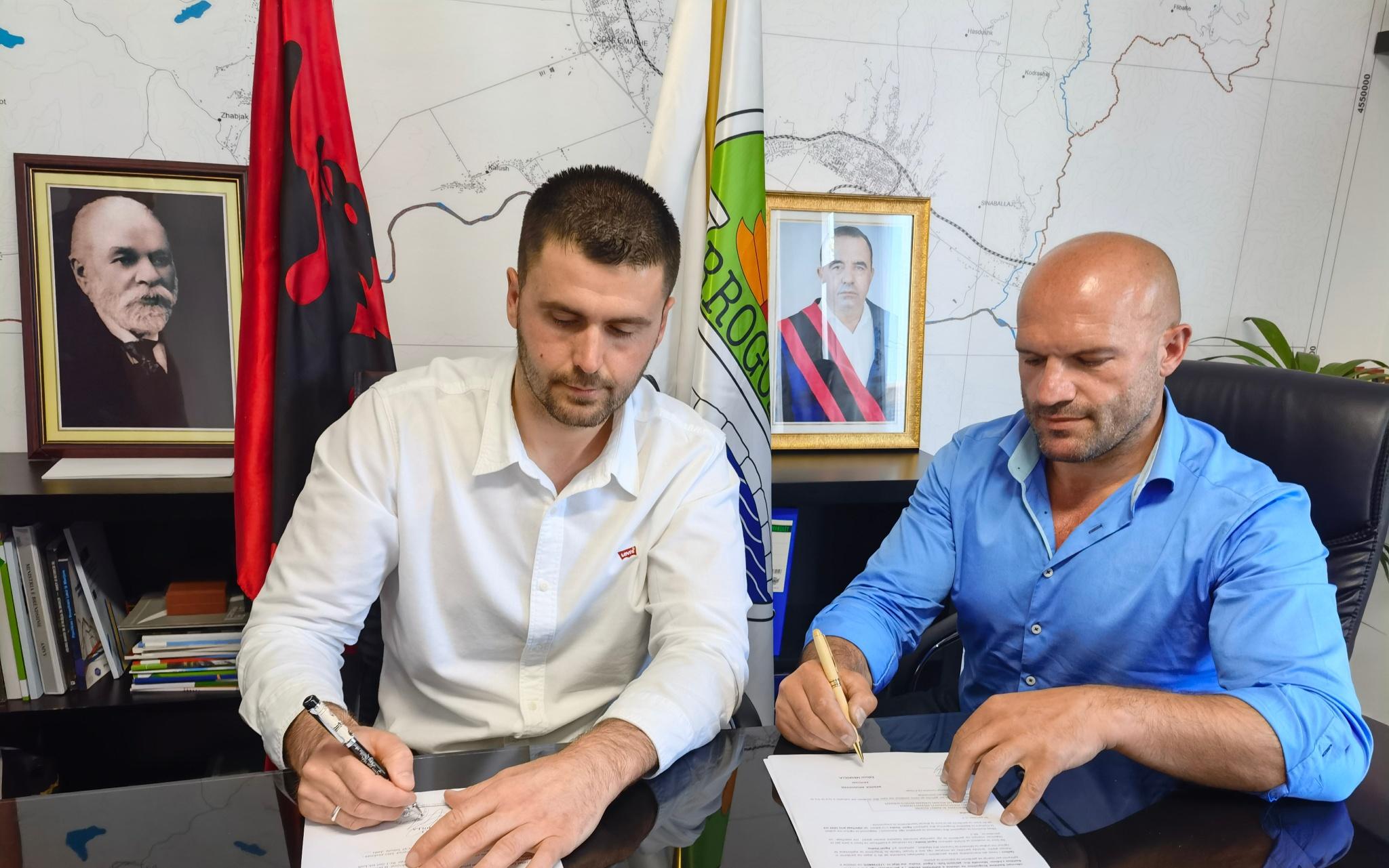 """Rikthehet boksi, në 14 gusht """"Duel në themel"""" në kalanë e Bashtovës"""