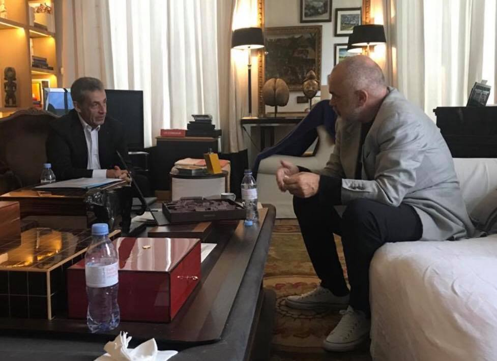 Rama i shkon në shtëpi Nicolas Sarkozy: Me një mik special