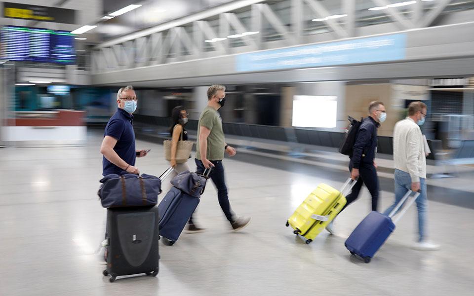 Parlamenti Europian miraton 'pasaportën e gjelbër' për Covid