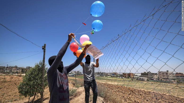 """Rinisin sulmet: """"Tullumbacet e zjarrit"""", armët e reja të konfliktit Izrael-Palestinë"""