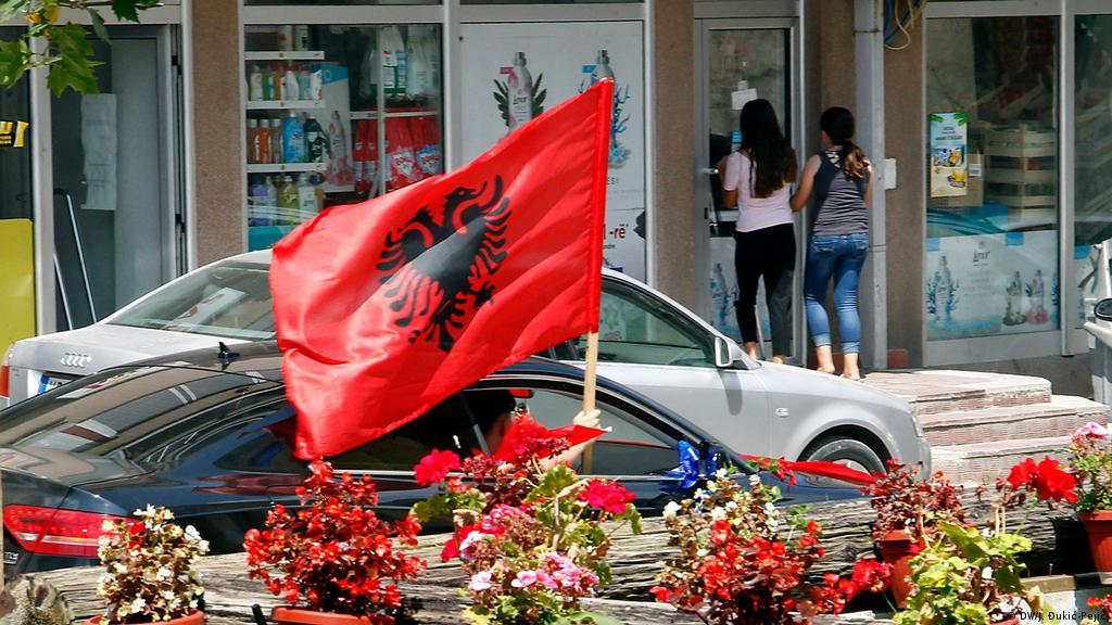 Shqiptarët e Luginës i kërkojnë Kurtit t'i bëj pjesë të dialogut me Serbinë