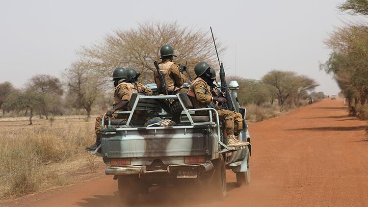 Tronditet vendi afrikan, 100 të vrarë në një sulm terrorist