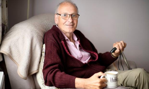 10 muaj me Covid, 72 vjeçari britanik testohet 42 herë pozitiv