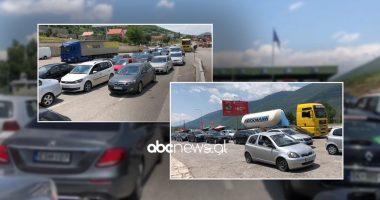 """Fluks në Morinë, qytetarët e Shqipërisë i """"kthejnë reston"""" Kosovës, qindra automjete në radhë"""