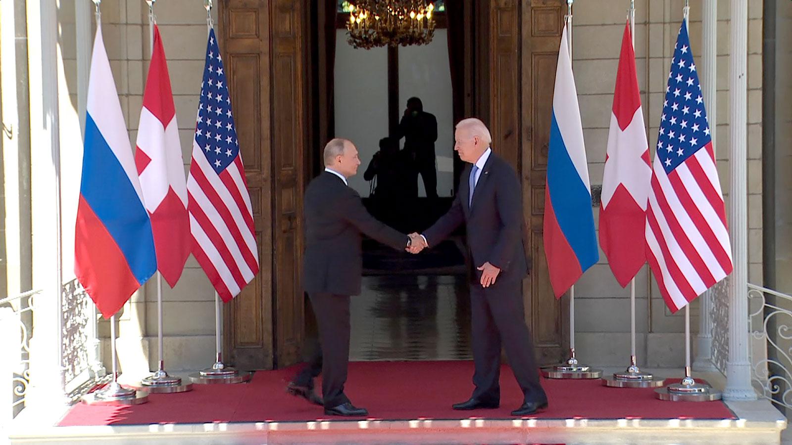 Takimi historik, Biden dhe Putin shtrëngojnë duart në Zvicër