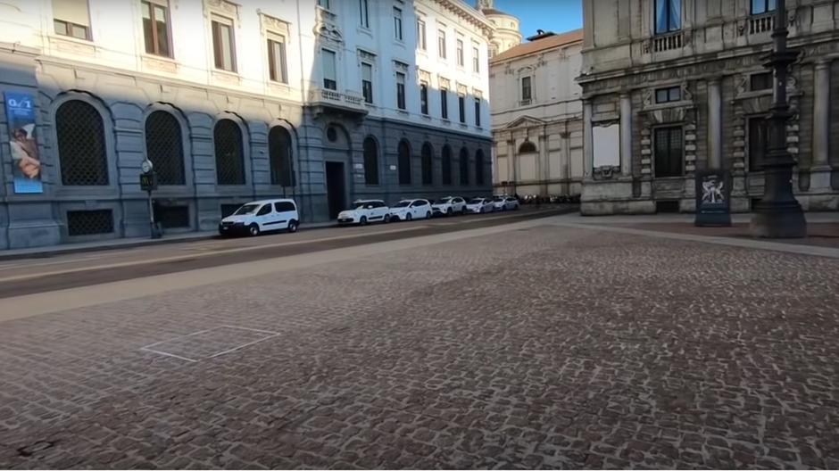 Artisti italian shet skulpturën e padukshme 18 mijë dollarë