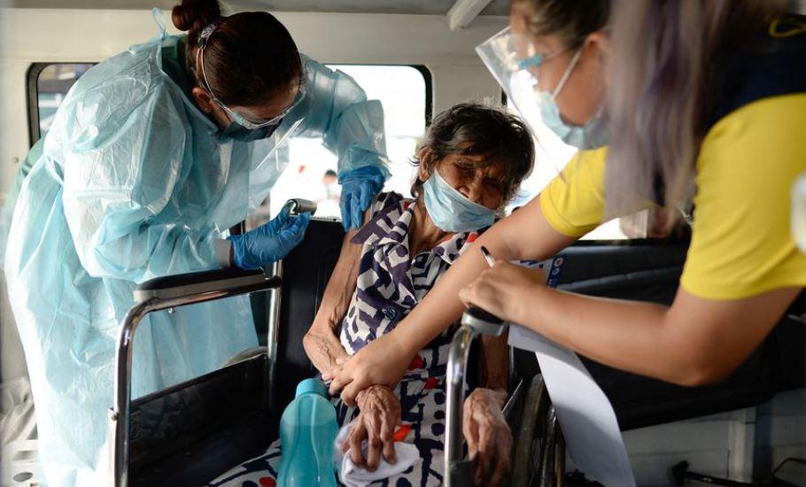 India nis vaksinimin e personave me aftësi të kufizuara