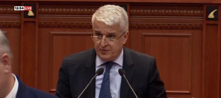 Majko deklaron votën pro shkarkimit të Metës: Më rëndon shumë, për të tjerat të na gjykojë koha