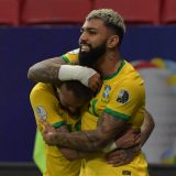 """VIDEO/ Neymar barazon rekordin e Pele, Brazili """"tris"""" Venezuelës! Fiton edhe Kolumbia"""