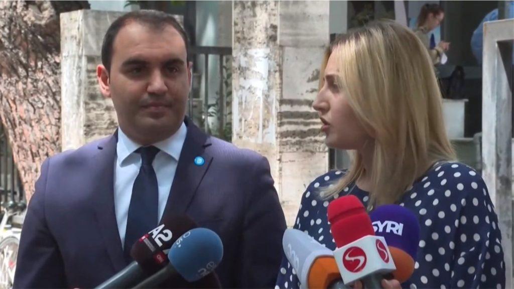 Padia për incineratorin e Tiranës, Zhupa dhe Këlliçi: Mirel Mërtiri nuk erdhi në gjykatë për përballje me opozitën