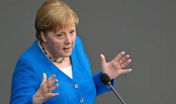 Merkel thirrje shteteve të BE: Vendosni karantinën për udhëtarët nga Britania e Madhe