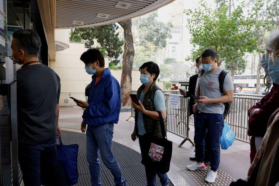 Hong Kong autorizon përdorimin e vaksinës anti-Covid për grupmoshat mbi 12 vjeç