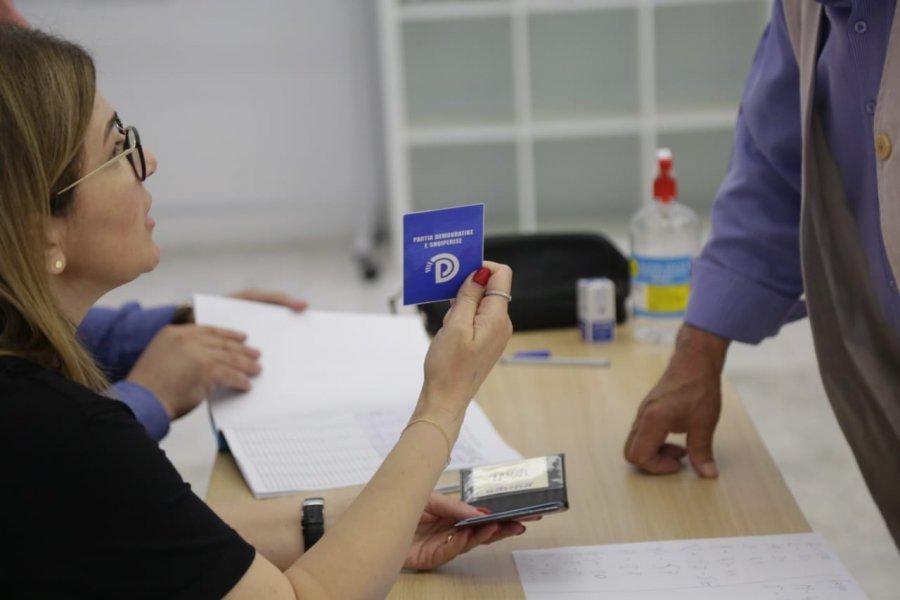 Deputetët dhe kryesia mbështesin Bashën, del rezultati i votimit të kutisë në selinë blu
