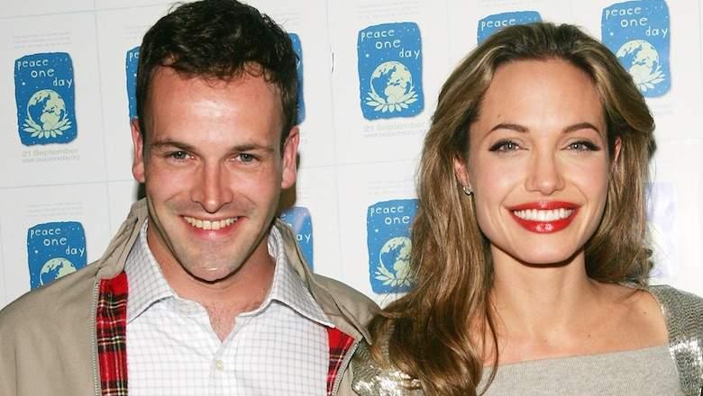 Angelina Jolie rikthehet me ish-bashkëshortin, e prezanton me të birin