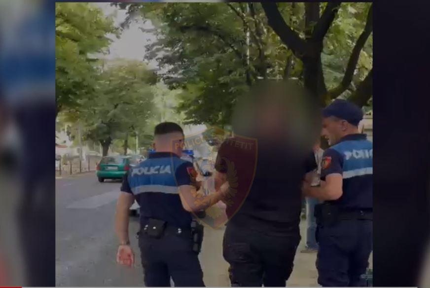 Alkool dhe drogë në timon, arrestohet 35-vjeçari në Tiranë