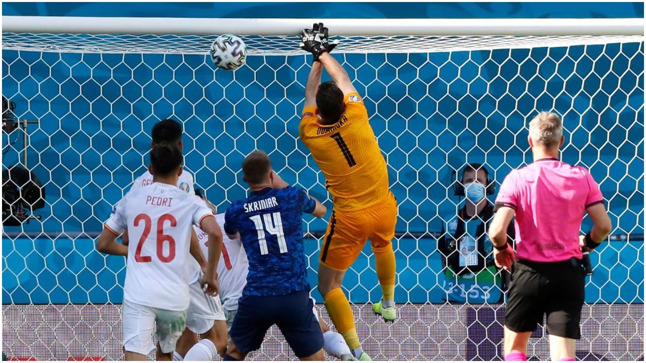 VIDEO/ EURO 2020 i ka të gjitha, ky është autogoli që po çmend rrjetin