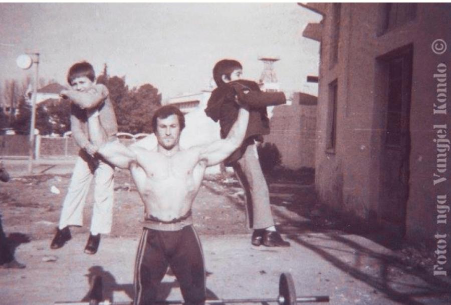 Dosja sekrete: Kondo dhe Sukniqi do qëndrojnë në Jugosllavi, pasi do dëshmojnë