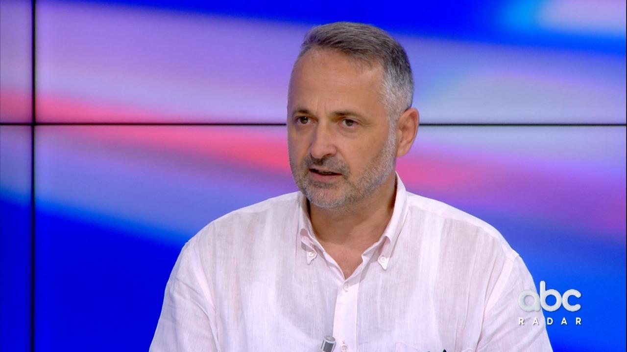 Tirana dhe Shkupi pa një datë për negociatat, pedagogu: Topi s'mund t'i vendoset BE-së
