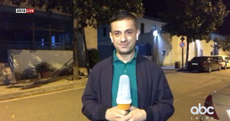 """Furgonë me xhama të zinj dhe pa logo policie, """"kurthi"""" i RENEA-s në Elbasan"""