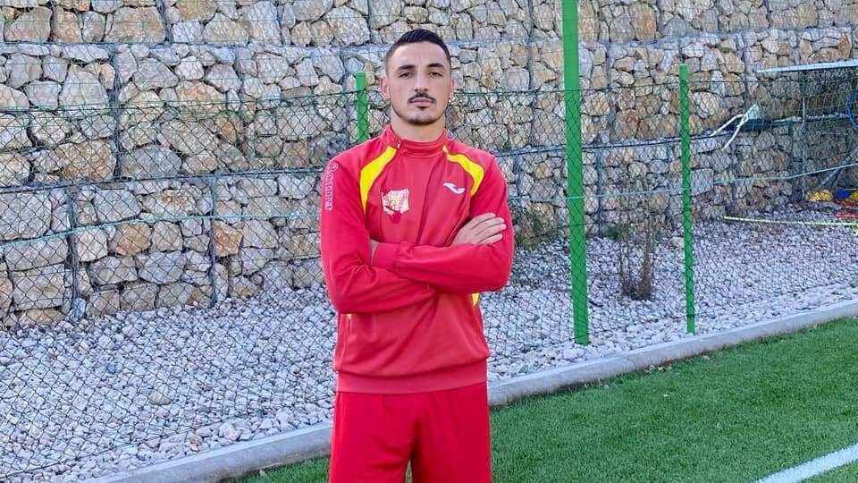 Debutoi në Superiore 25 vjeç dhe tani lë futbollin, habit mbrojtësi shqiptar