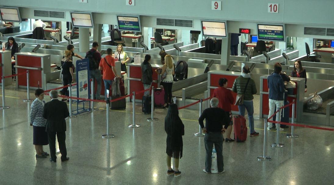 Asnjë kufizim për të vizituar Shqipërinë, MEPJ jep njoftimin për qytetarët shqiptarë dhe të huaj