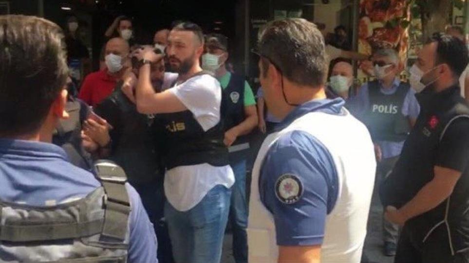 Sulm me armë në selinë e partisë pro kurde në Izmir, vritet zyrtarja