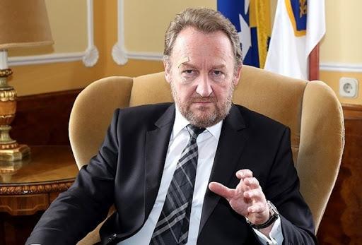 Izetbegoviç: Serbia s'ka të drejtë të sundojë mbi Kosovën