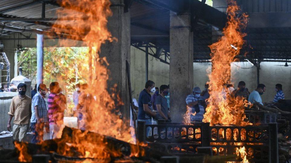 Mbi 2 mijë viktima nga Covid në 24 orë në Indi